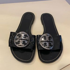 Tory Burch black Patent leather shoes sandal 8 1/2